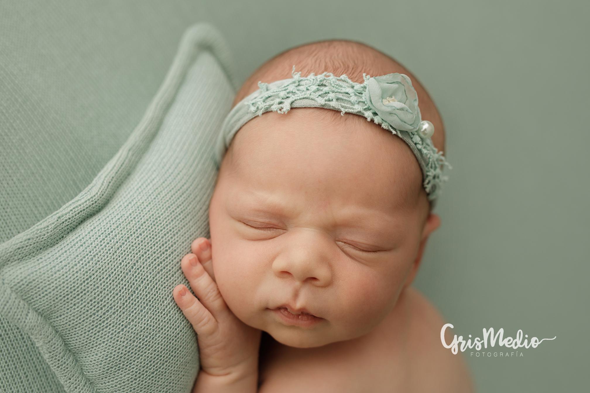 GrisMedio_Fotografía-_newborn-zaragoza-r261