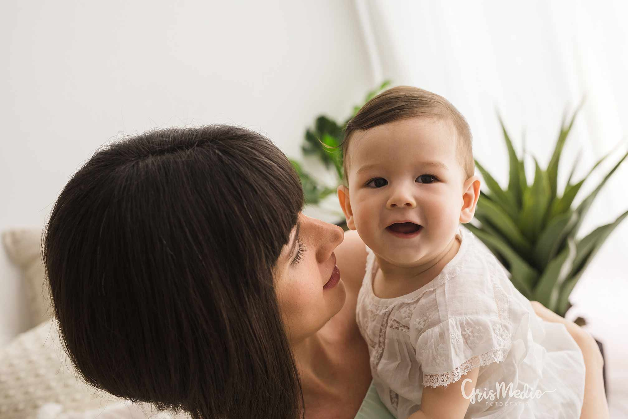 fotografia-familia-infantil-zaragoza-grismedio-bebe-lactancia7