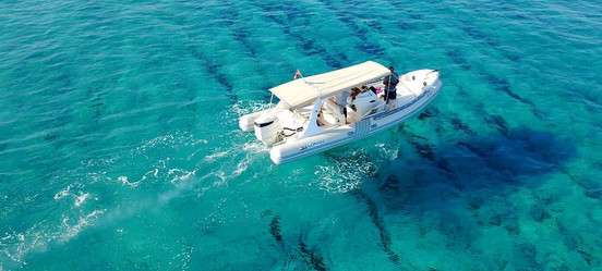 Mar y Luz: your boat charter in Ibiza and Formentera. We offer the ideal solution for visiting the beautiful beaches of Ibiza and Formentera on our amazing speed boats, in total comfort and privacy!