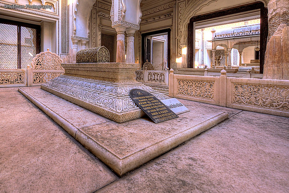 Paigah Tombs Architecture