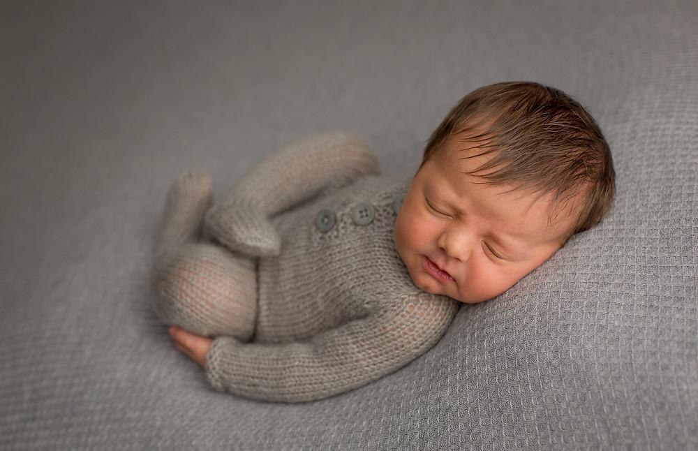 Sarasota Newborn Photographer, Huck Finn Pose