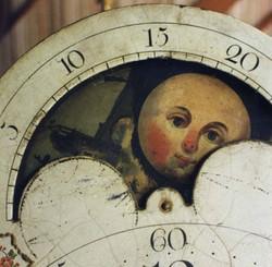 belles photos4 cadran d'une horloge anglaise passage de la lune