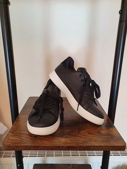 The Plain Black Trainers - Sale Item - NO RETURN
