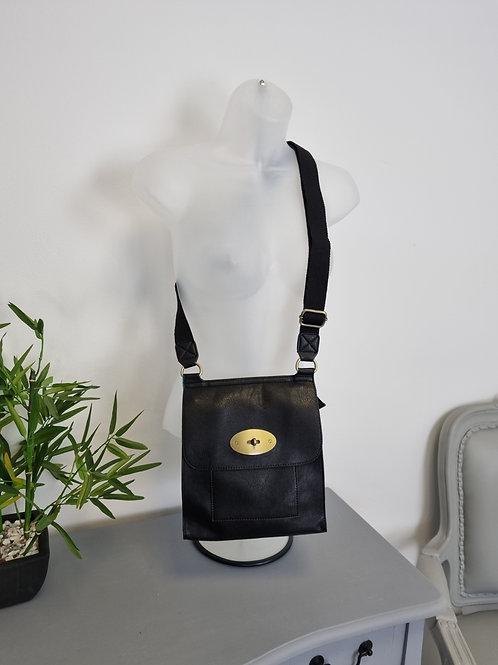 The Messenger Bag - Black