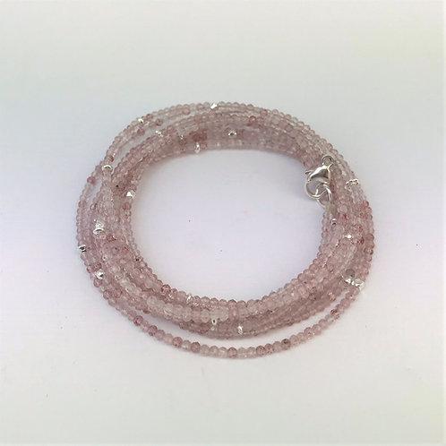 Lange Kette aus Erdbeerquarz mit Silber 925