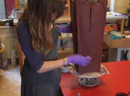 Opdracht Plantenbak (H:60cm). Op de video ben ik aan het kleuren en polijsten van de Plantenbak.