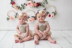 Twins spring sitter