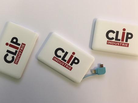 Batterie de secours type CB avec câble intégré deux sorties (Samsung et Apple)