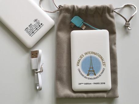 Batterie nomade type CB avec câble intégré impression quadri UV- Paris