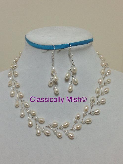 White Freshwater Pearl w/ earrings
