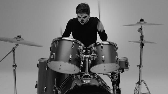 skulls & drums /