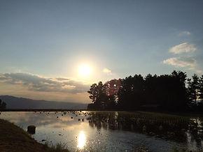 ภาพพระอาทิตย์ตกหลังจากเริ่มทำนากันวันแรก