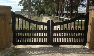 Garfiel Double Driveway Gate