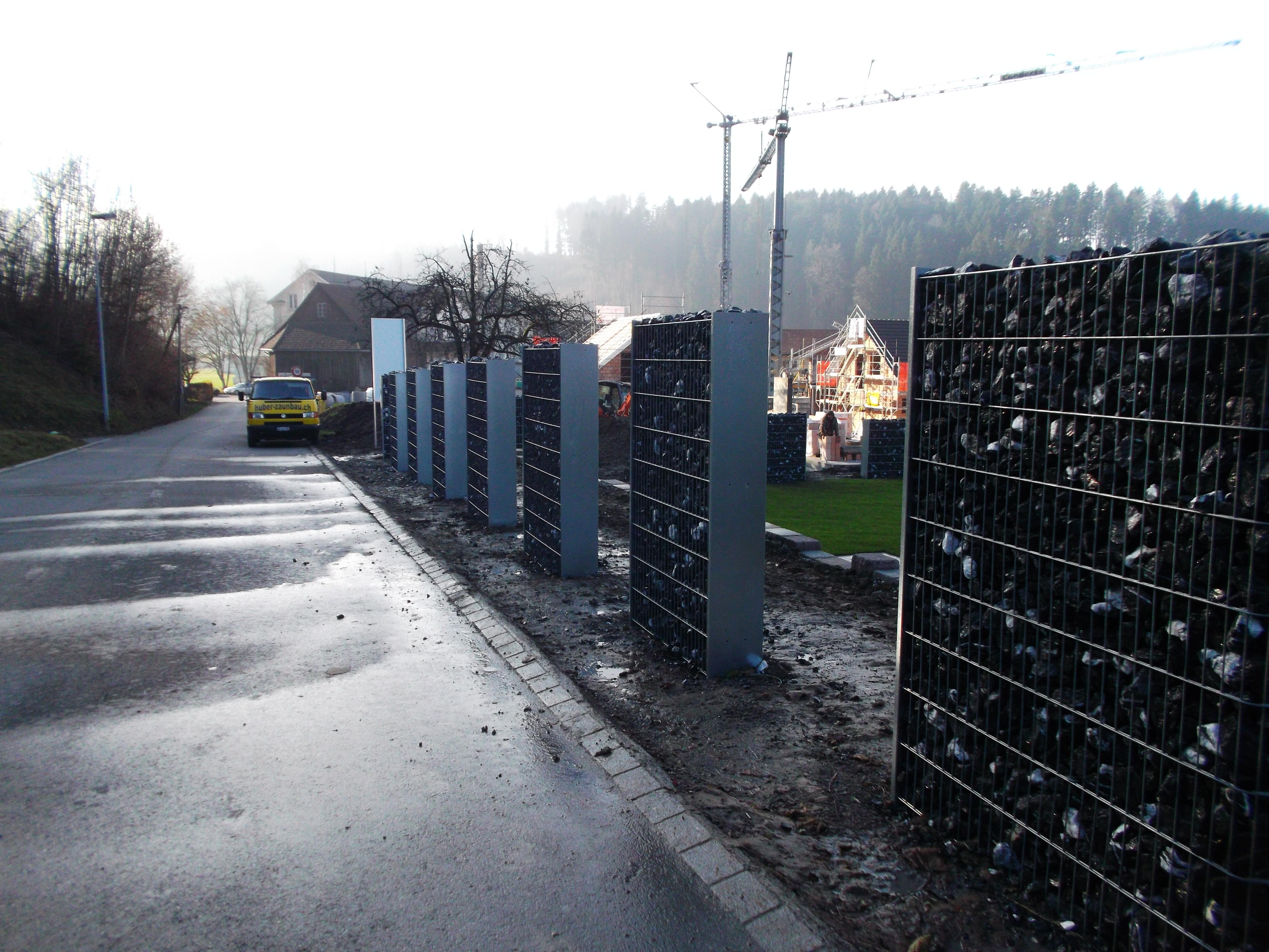 Gabionen mit Argoliteplatten in Züri