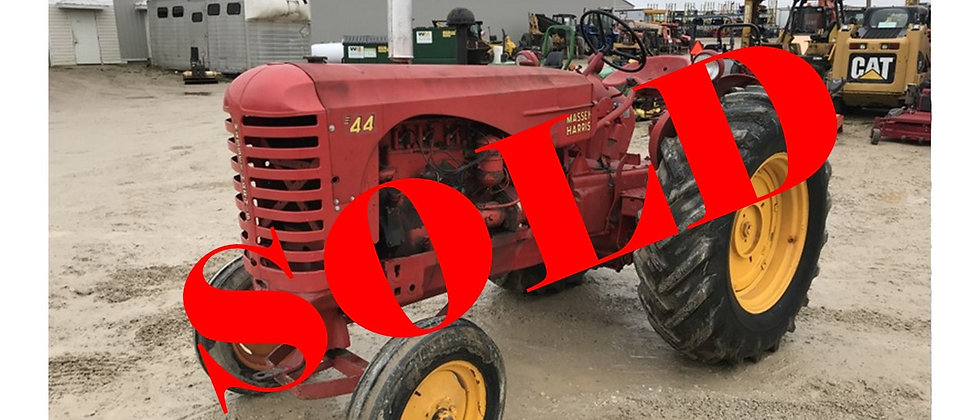 GONE TO AUCTION! 1952 Massey Harris 2WD Tractor