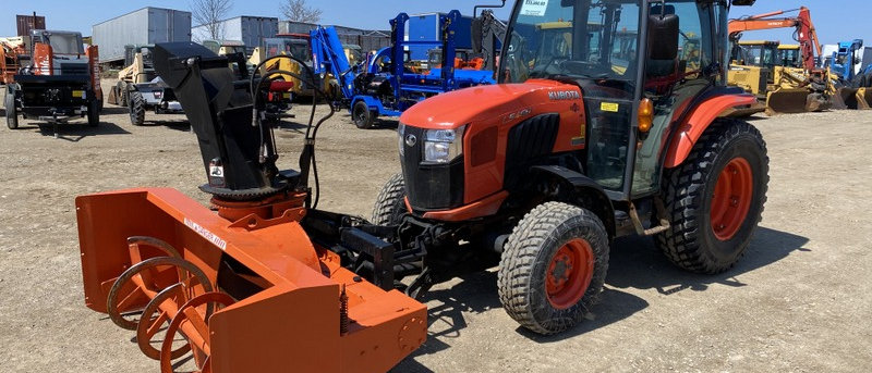 2017 KUBOTA L5460 4X4 Tractor With Front Mount Snowblower