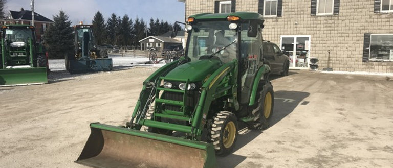 2011 John Deere 44HP 4X4 Loader Tractor