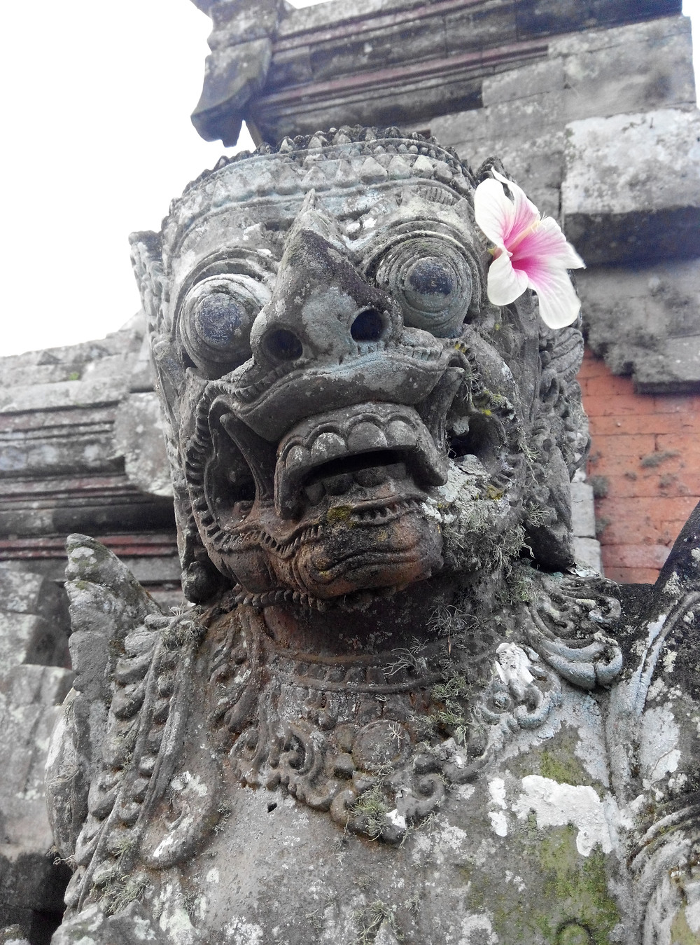 バリの石像