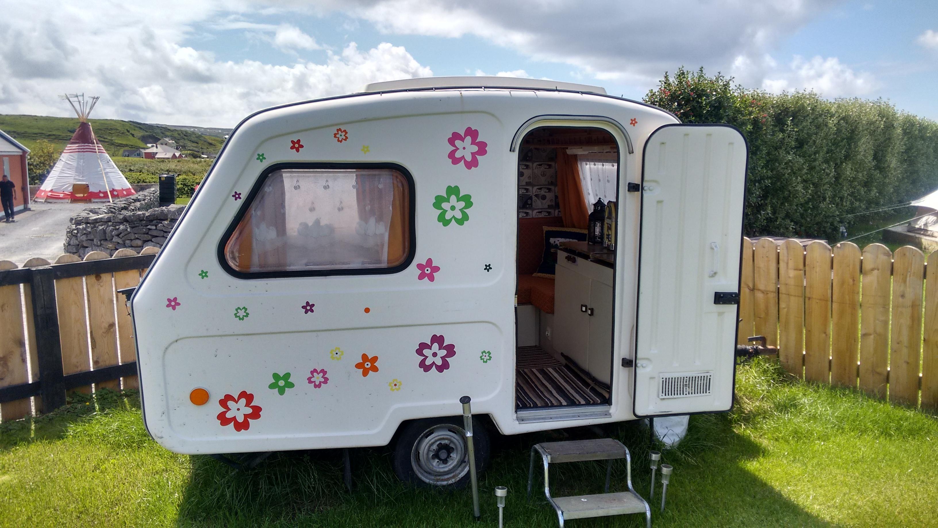 Mini Fr Ted Caravan