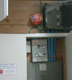 כדור אש בארונות חשמל.JPG