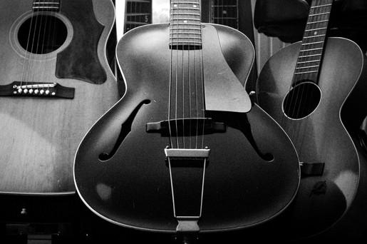 1965 Gibson J-45, 1935 Gibson L-30, 1960 Framus.jpg