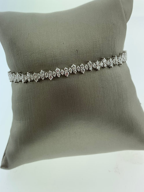 White Gold Alternating Diamond Bracelet