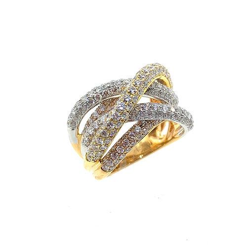 Tri-color crisscrossing diamond ring