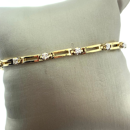 Yellow Gold Round Diamond Link Bracelet
