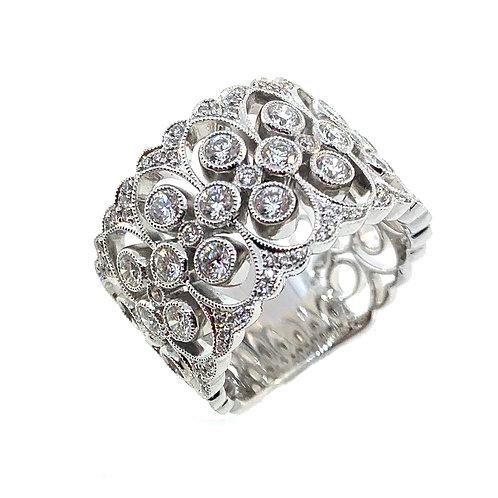 Wide scallop diamond band