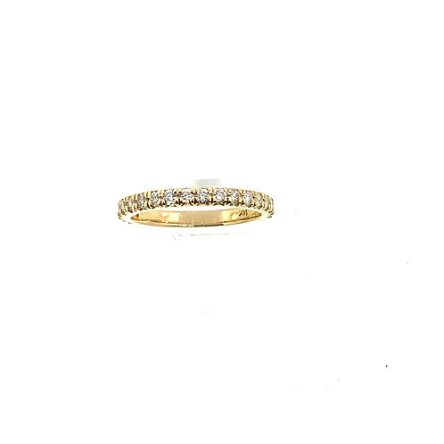 Yellow gold lab diamond band