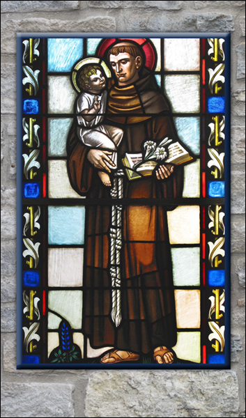 T1038 St Anthony Stained Glass