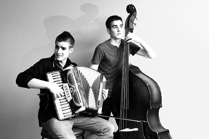bass, musicans