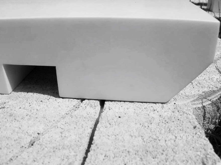 bench line _ NOUVEAU BRUTAL