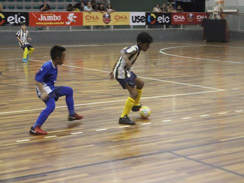 Estão sendo definidas as finais da 20ª Copa CNA de Futsal Escolar