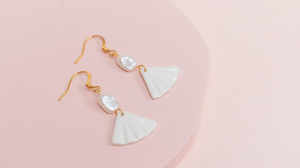 Elegant White Pearl Fan Earring - Nomi