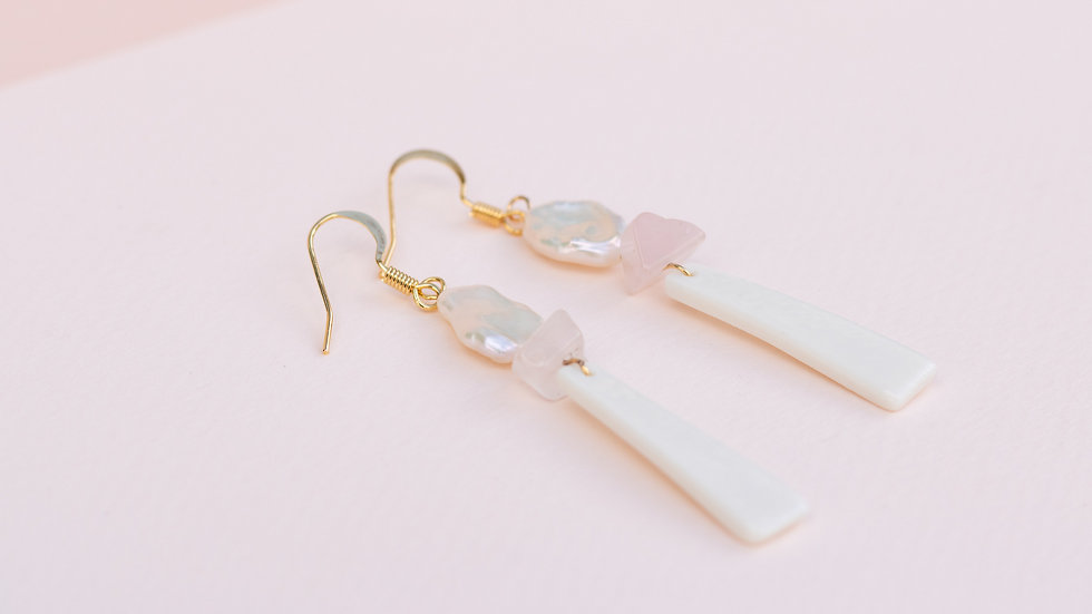 The Charlie Dangle Earring - pale pink
