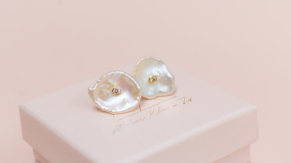 Natural Keshi Pearl & Zirkonia Stud Earring