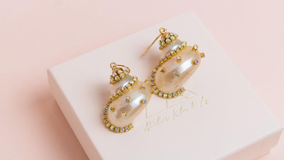 Rhinestone Embellished Shell Drop Earring