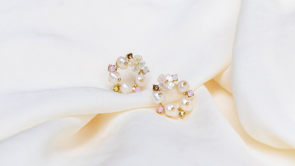 Floral Pearl Circle Stud Earring