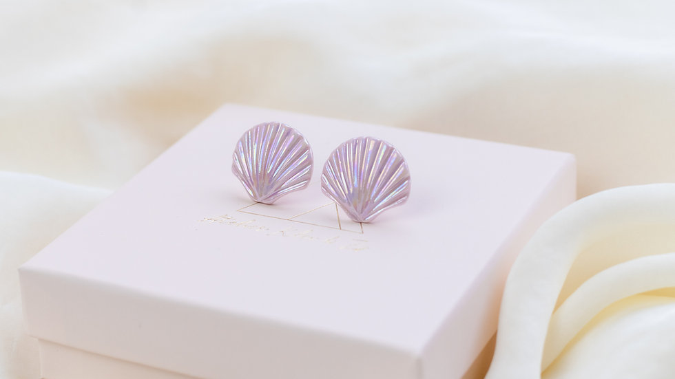 Lilac Ariël Shell Stud Earring