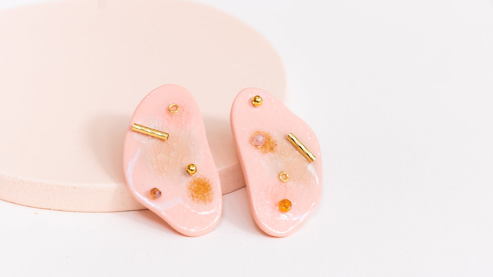 Embellished Porcelain Statement Earring - Gold Peach Confetti