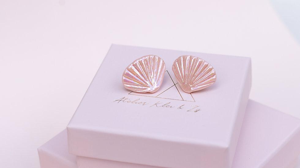 The Ariël Stud Earring Iridescent Pink