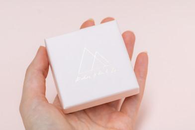 klei-en-zij-unique-ceramic-jewelry-gift-
