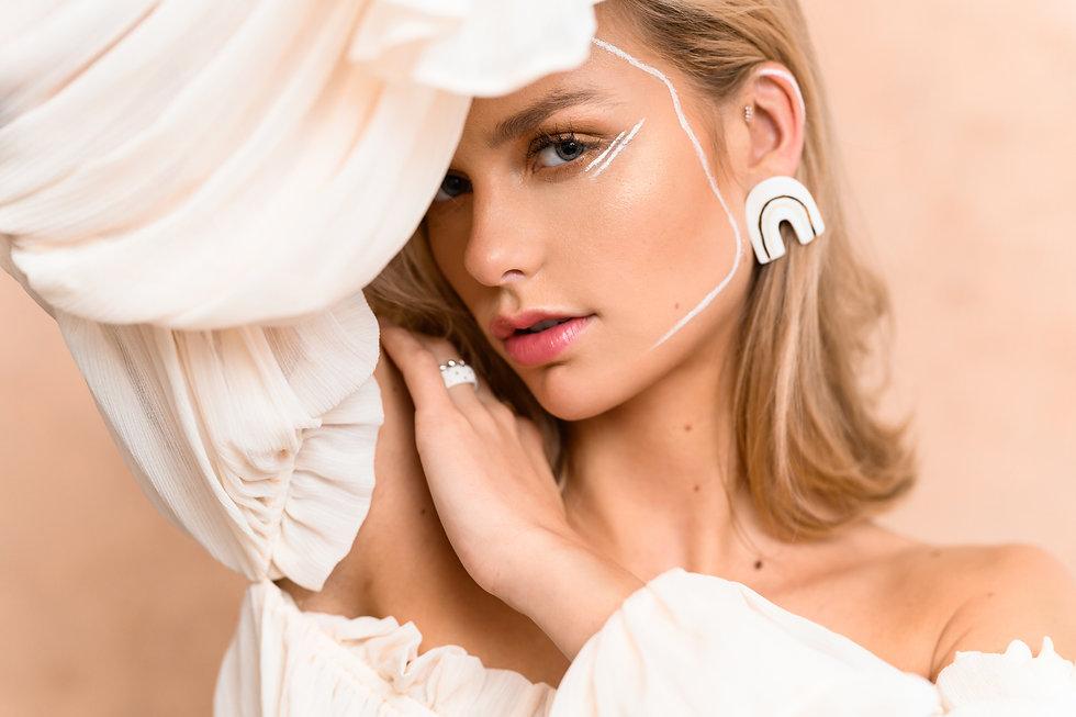 klei-en-zij-ceramic-feminine-jewelry-web