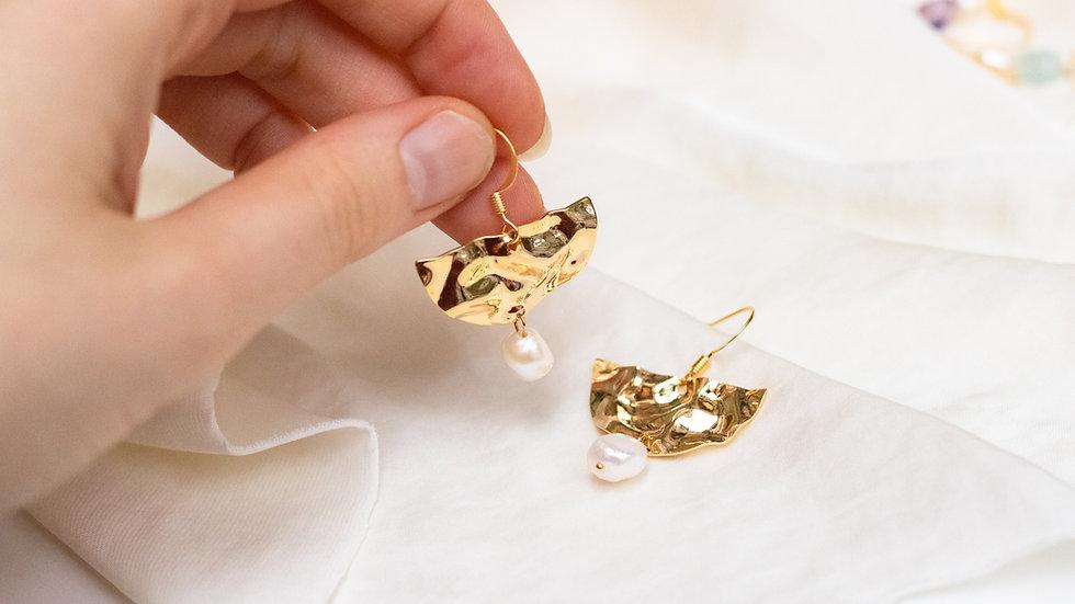Pearl Fan Earring Eva