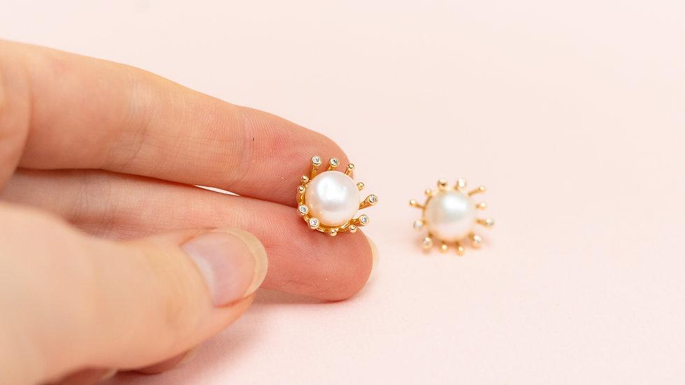 Pearl & Zirkonia Stud Earring