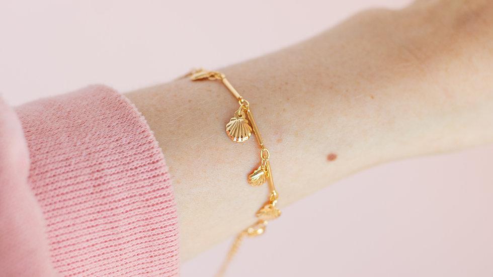 The Scallopina Shell Charm Bracelet