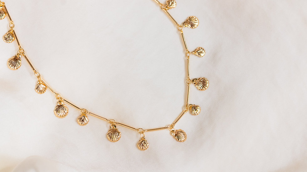 The Scallopina Necklace - Shell Charms Choker