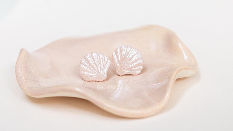 Pink Ariël Shell Stud Earring