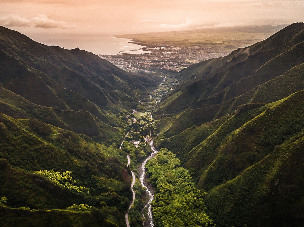 View from the lookout at hawaii's iao valley